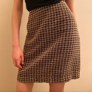Brown houndstooth skirt